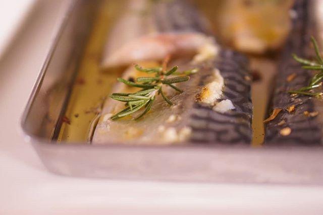 ハレの日がすぎたらいつもの穏やかな日常どちらも好き今日はイタリアンな気分→沖縄快晴!!だから、鯖はマリネに油揚げの甘辛煮は子供たちのお昼用うどんにちょこんとのせてあげると喜びます♫#お料理教室かなえ#沖縄料理教室#料理好きな人とつながりたい#家庭料理 #料理写真 #料理勉強中 #料理部 #料理記録 #料理好き #料理初心者 #料理上手になりたい #おうちごはん #クッキング #クッキングラム #instacooking #cooking #cookingram #cookingtime #cookingday #cookinglove #cookingisfun #cookingbyme #cookingathome #food #foodporn #foodie # #foodasia