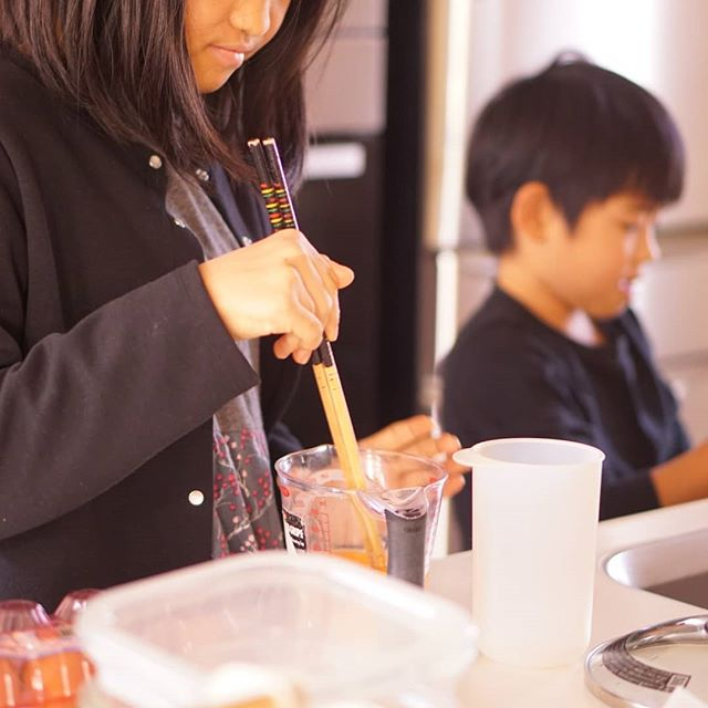 朝ごはんはふたりに担当してもらいましたお出汁をひいてお米洗って卵焼き焼いて散らからずに上手にできるようになってきました二人で味噌汁の味を加減しておいしくいただきました