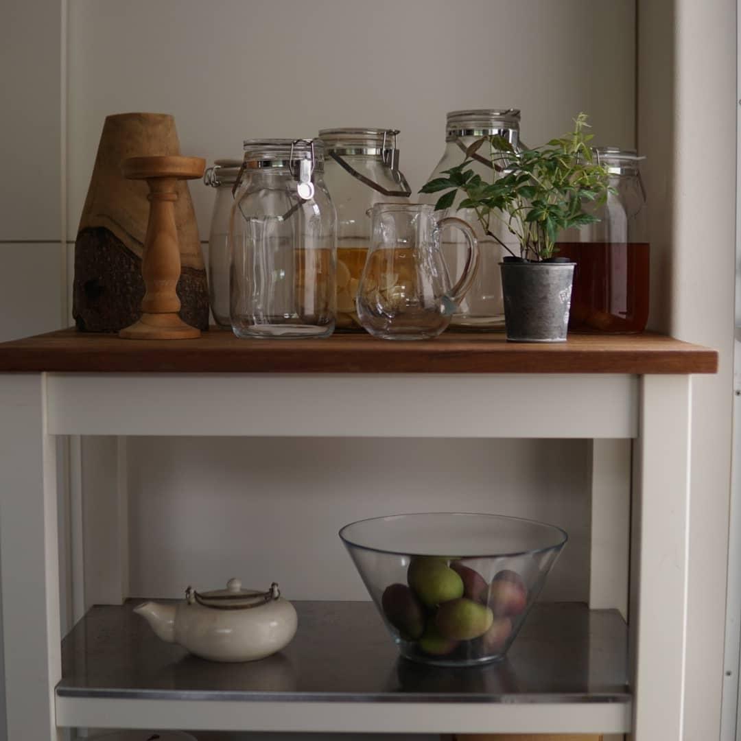 新しい観葉植物を色々仕入れたので飾るところを考えながらキッチンを模様替え